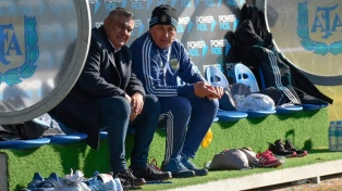 """Tras los reclamos de las """"históricas"""", Tapia respaldó a Borello"""