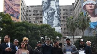 Tres murales en el Clínicas rinden homenaje y piden justicia a 25 años del atentado a la AMIA