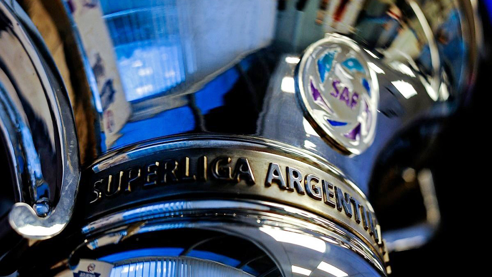El campeón recibirá la trofeo en la Copa de la Superliga