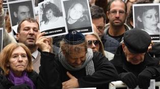 """""""La herida sigue abierta y no puede cicatrizar sin justicia"""", dijo el titular de la AMIA"""