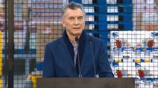 """""""Estamos ante la oportunidad única de ratificar nuestro compromiso"""", dijo Macri en la planta de Molinos"""
