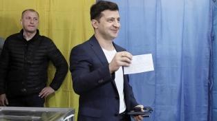 El partido del presidente arrasa en las elecciones legislativas anticipadas