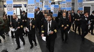 Pilotos se manifestaron contra el gobierno y volverían a leer un comunicado contra el Gobierno