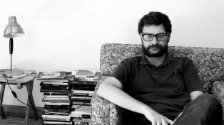 """""""Universos literarios"""", una combinación de infancia y escritura para 30 autores argentinos"""