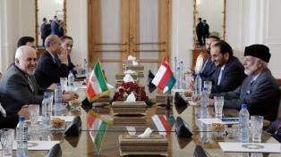 Irán y las cinco potencias adheridas al tratado nuclear de 2015 se reúnen en Viena