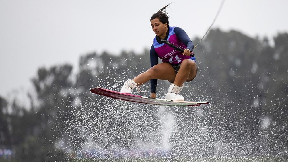 Eugenia de Armas se consagró como la primera campeona panamericana de wakeboard de la historia.