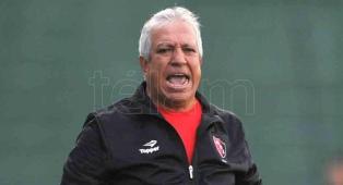 Américo Gallego está seguro de que clasificará al seleccionado para Qatar 2022