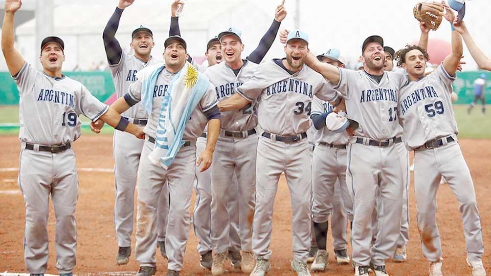 El sóftbol era gran candidato -la Argentina es campeona mundial- y venció en la final a los Estados Unidos por 5 a 1.