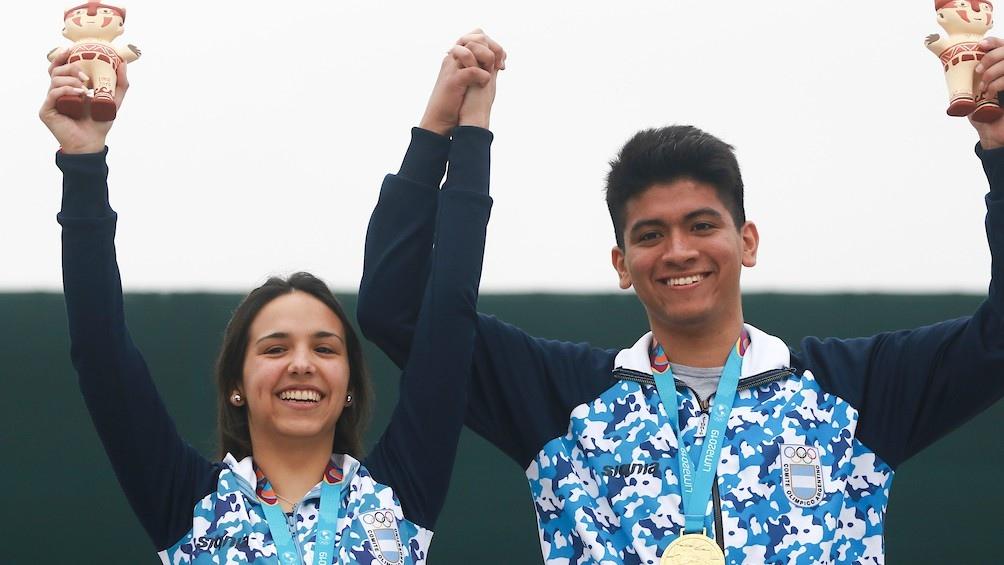 Fernanda Russo y Julián Gutiérrez alcanzaron el oro en tiro equipo mixto, en 10 metros con rifle de aire.
