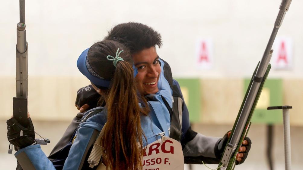 La riojana y el catamarqueño, ambos de 19 años, habían ganado la de bronce en la competencia individual.