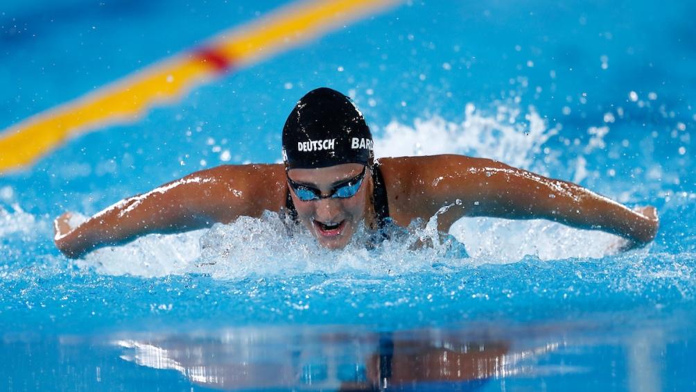 Virginia Bardach fue oro en 200 metros mariposa. Repitió la medalla de su hermana Georgina en Santo Domingo 2003.