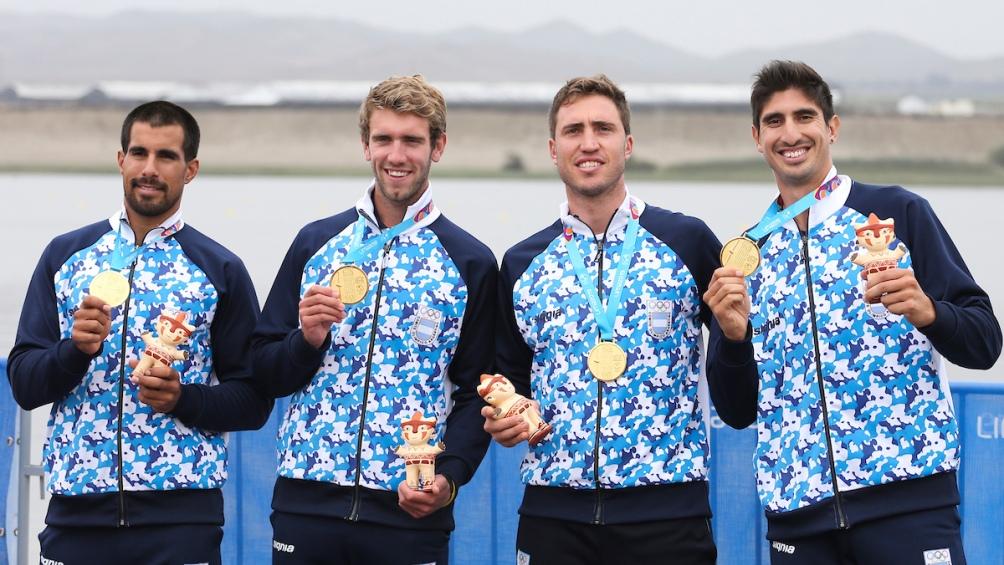 El cuarteto con sus medallas de oro. Cuba logró la plata y Brasil, el bronce.