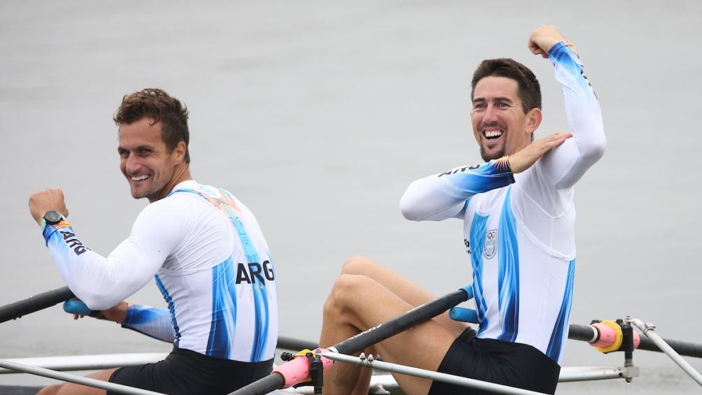 Cristian Rosso y Rodrigo Murillo, integrantes de 4 pares de remos cortos que obtuvo la medalla de plata.