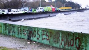 El clima complica la búsqueda de los pescadores desaparecidos