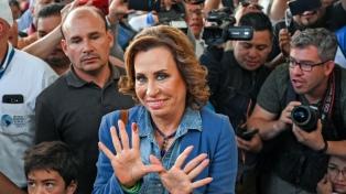 Sin incidentes mayores, los guatemaltecos eligieron presidente en segunda vuelta