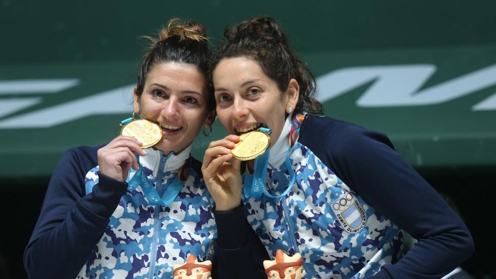 En dobles trinquete femenino pelota de goma, Cynthia Pinto y María Lis García lograron la medalla dorada.
