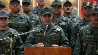 """El ministro de Defensa de Maduro afirma que """"no habrá transición alguna"""""""