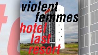 """Regreso """"minimalista"""" para los clásicos Violent Femmes"""
