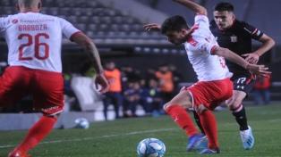 Estudiantes de La Plata se aprovechó de un momento incierto de Independiente