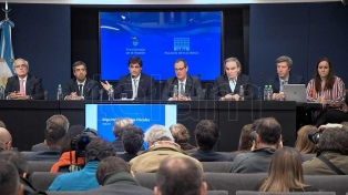 Lacunza viaja a Washington para hablar con el FMI, el BID y el Banco Mundial