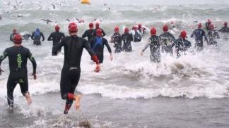 3.8 kilómetros de natación.