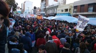 Docentes de Chubut realizaron una protesta en el Obelisco porteño