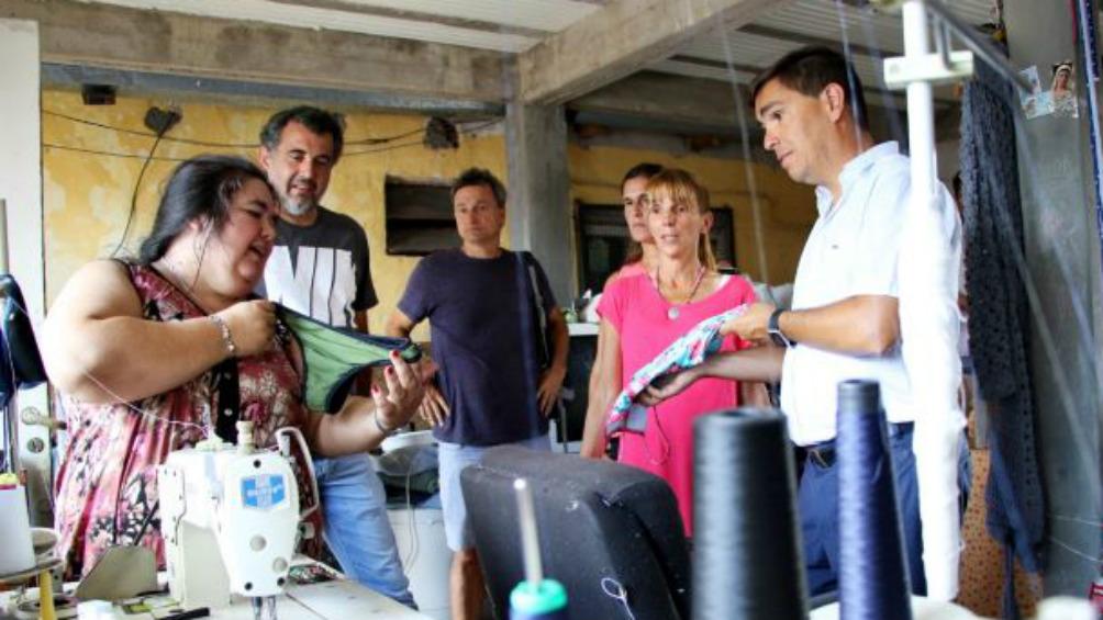 El gobierno bonaerense entregó créditos para proyectos productivos de barrios vulnerables