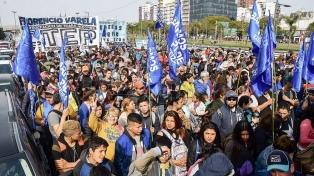 Organizaciones sociales marcharon por el centro porteño para reclamar la Emergencia Alimentaria