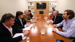 """Fernández y la Mesa de Enlace acordaron """"no volver al pasado"""" en políticas para el campo"""