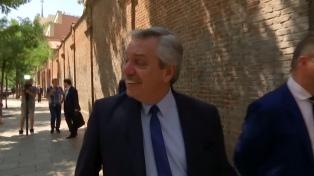 Fernández se reunió con empresarios y mañana se encontrará con el presidente Sánchez