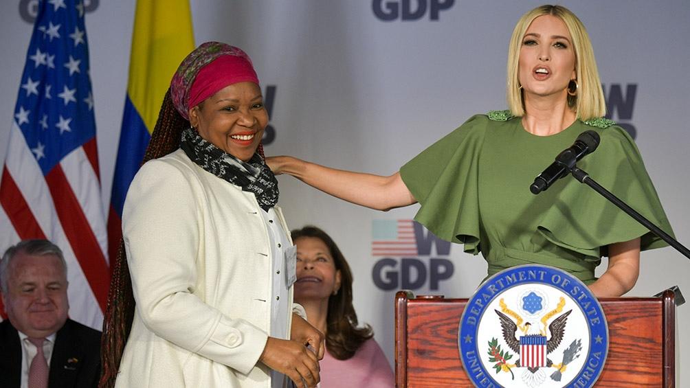 Antes de visitar la Argentina, Ivanka estuvo reunida con emprendedoras en Colombia. (AFP)