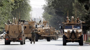 Un nuevo atentado talibán en Kabul mató a 10 civiles y dejó 42 heridos