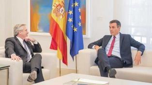 Alberto Fernández fue recibido por el jefe del gobierno español