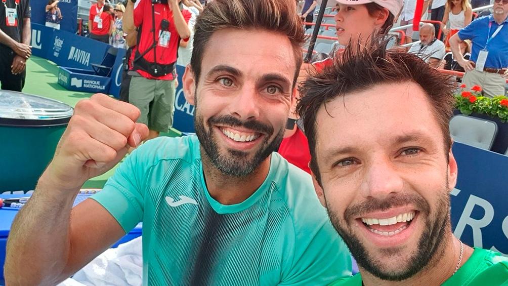 Horacio Zeballos se toma una selfie junto a su compañero de dobles, Marcel Granollers
