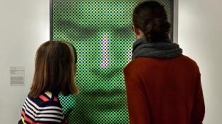 Una muestra que reflexiona sobre los límites de la fotografía se expone en el Museo de Bellas Artes