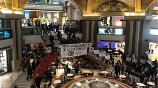 Militantes de la CTEP se manifestaron en shoppings porteños