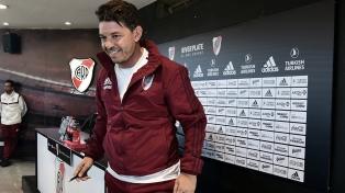 """Gallardo: """"A Maradona le daré un abrazo y le desearé suerte"""""""