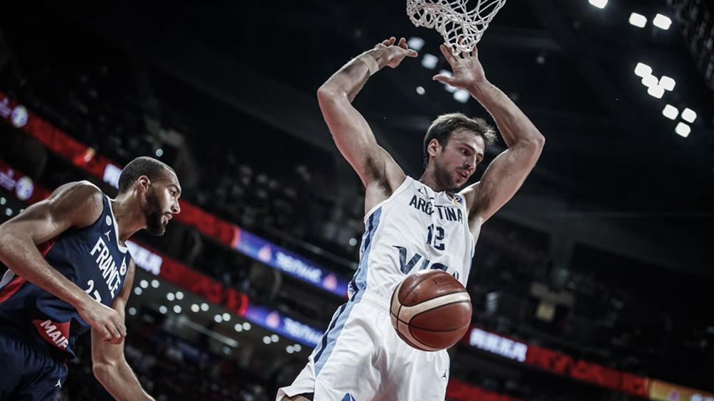 Argentina supera a Francia al término de la primera mitad y sueña con la final