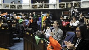 El Parlamento Juvenil propuso objeción de conciencia en temas de acción política, moral y religiosa
