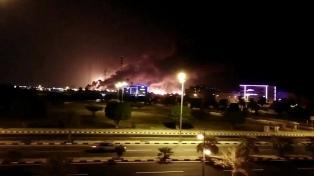 La coalición internacional apunta contra Irán por el ataque a la refinería