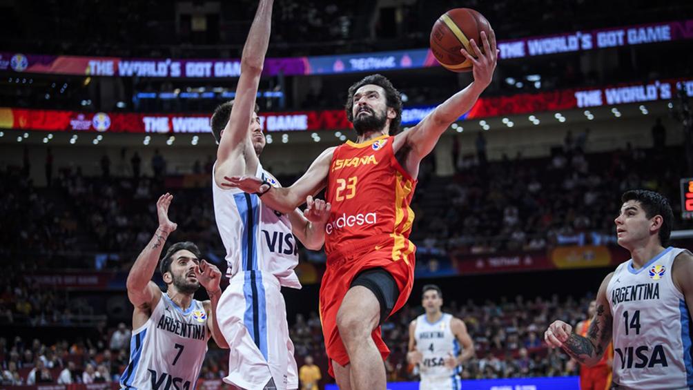 España vence con claridad a Argentina por 20 puntos en el final