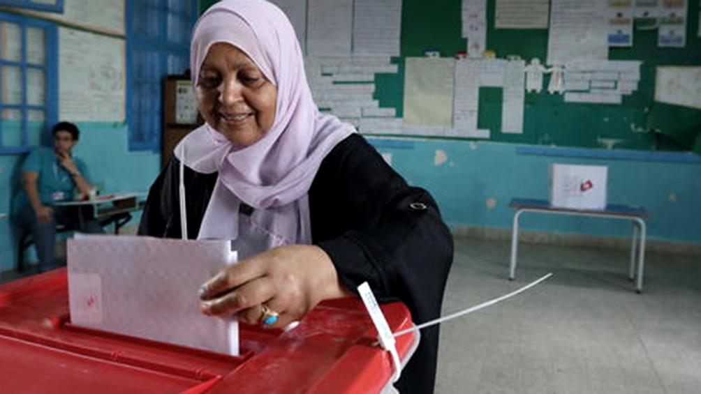 Los tunecinos fueron a las urnas para elegir presidente y parlamentarios
