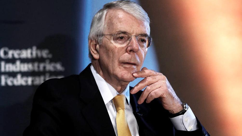 Ex premier conservador irá a la justicia contra la suspensión del Parlamento