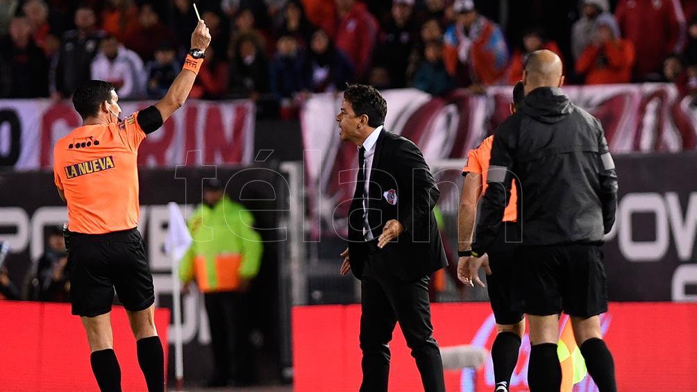 Los árbitros Merlos, Vigliano y Mastrángelo fueron suspendidos por sus bajas actuaciones