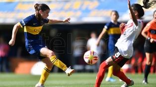 Boca goleó sin piedad a River en el primer Superclásico de la era profesional