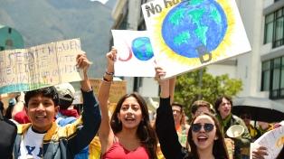 """Amnistía Internacional instó a movilizarse para """"exigir una acción climática ambiciosa y respetuosa"""""""