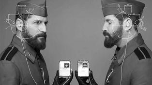 Mellizos argentinos sordos impulsan el uso de tecnología para facilitar la comunicación