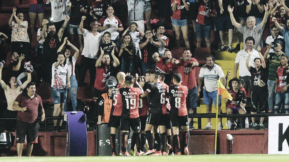 Colón y Estudiantes de Buenos Aires buscan la semifinal, donde espera River