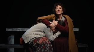 """Patricia Palmer es una monja muy lúcida en """"Golpes a mi puerta"""", en el Celcit"""