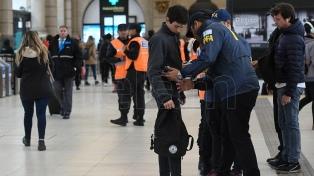 Controles en estaciones: en el primer día 42 personas tenían algún antecedente delictivo